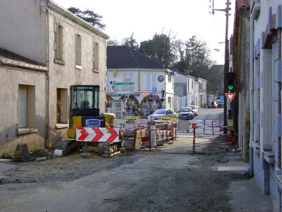 http://stephane.coulon.free.fr/images/travaux_anjou2009/travaux_rue_anjou1.jpg